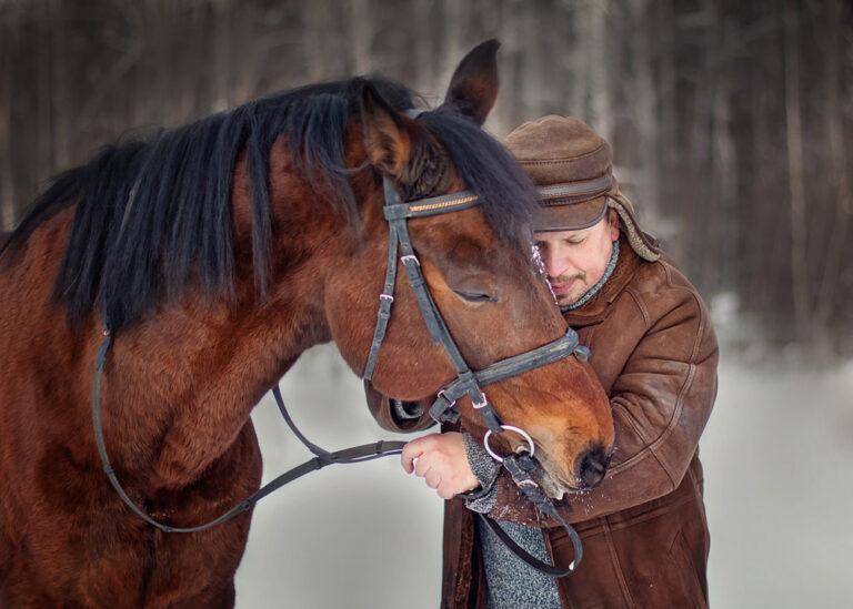 Мужчина-с-лошадью-Фотограф-Анастасия-Фаббро