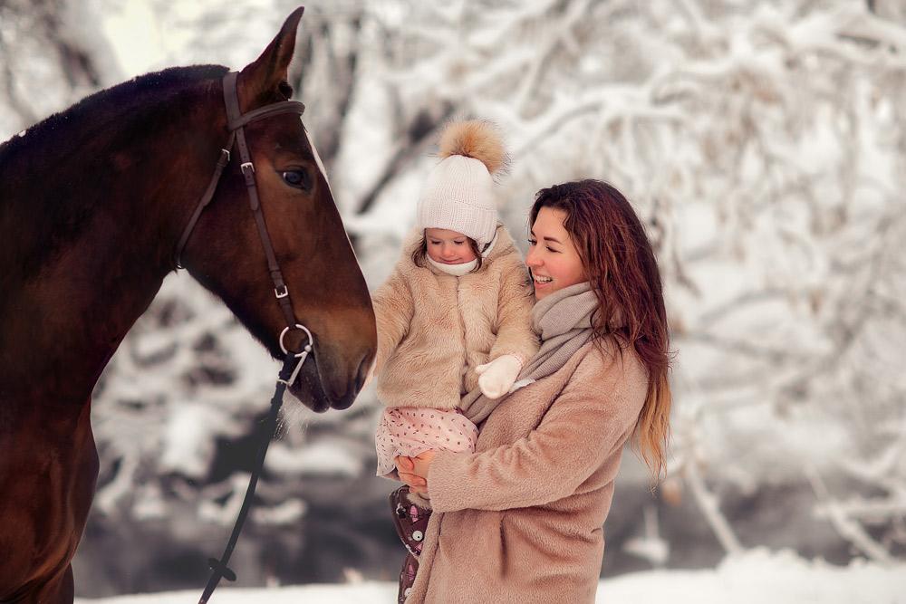 Семейная-фтосессия-с-лошадью-Фотограф-Анастасия-Фаббро