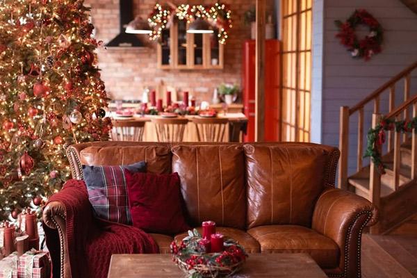 Студия-Мимика-Зал-Шале-Для-семейной-фотосессии-на-Новый-год